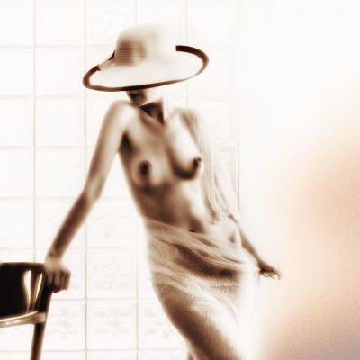 Nüdizm, Vücut Estetiği ve Fototerapi, Şapkalı Kadınlar Serisi, No2 | Mustafa Turgut